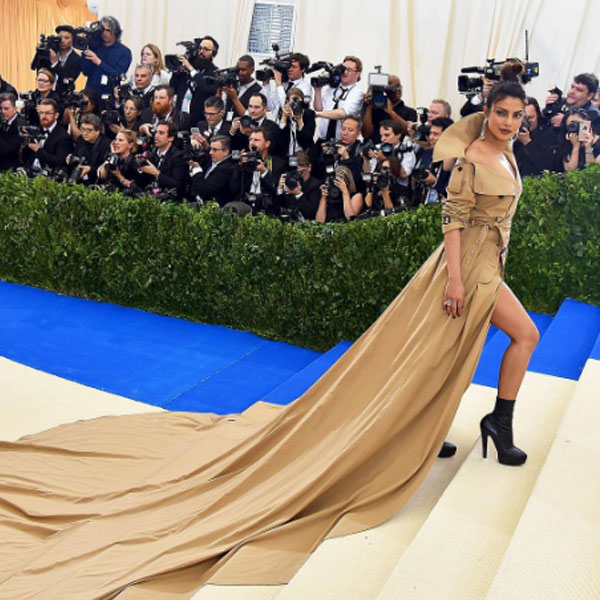 priyanka-chopra-opted-for-ralph-lauren-at-met-gala-2017--201705-960007 (1)
